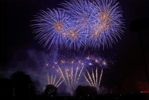 fireworks-at-himleywood-1443466-1599x1070