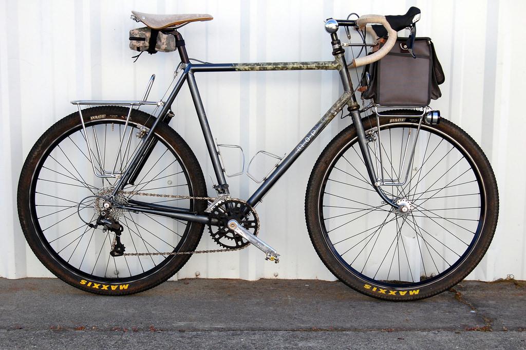 bagażnik przenośni gadżety dla rowerzystów