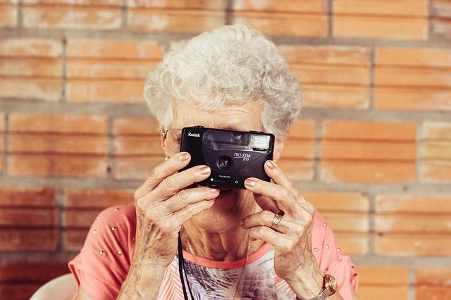 Telefon w prezencie dla dziadka lub babci