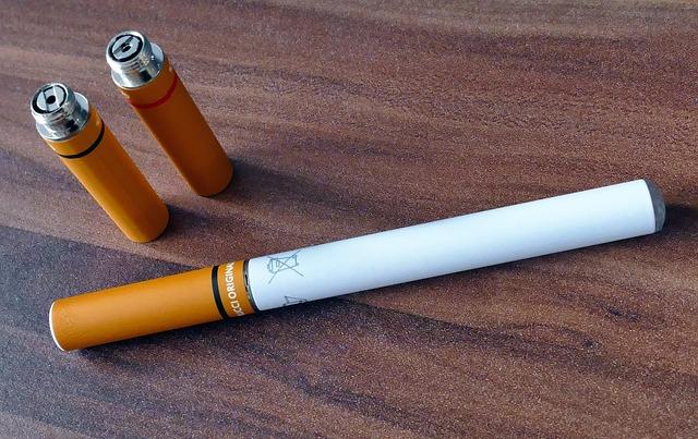 Elektroniczny papieros gadżet pozwalający na personalizację