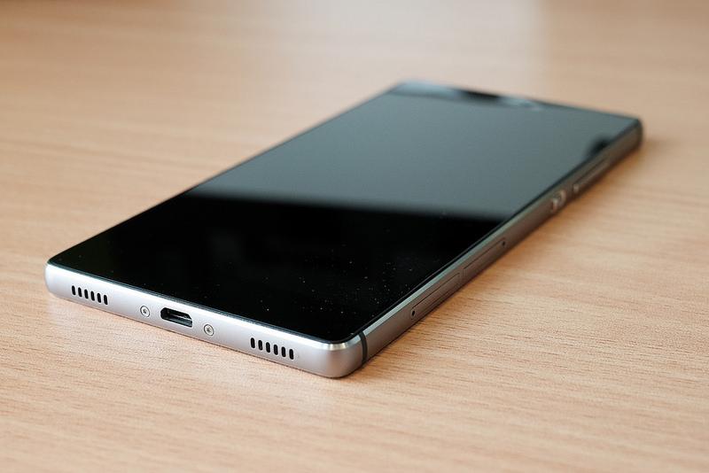 Polacy kupują nowe smartfony z Chin i Tajwanu