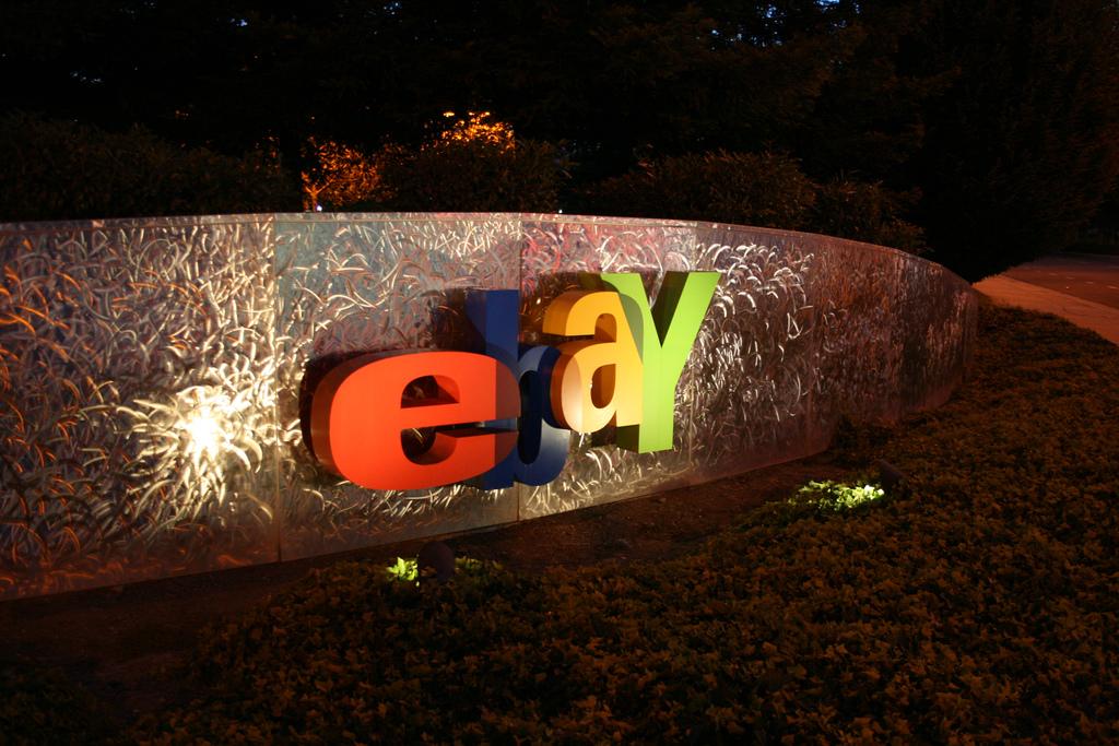 Amazon czy eBay? Gdzie kupować przy użyciu obcych walut?