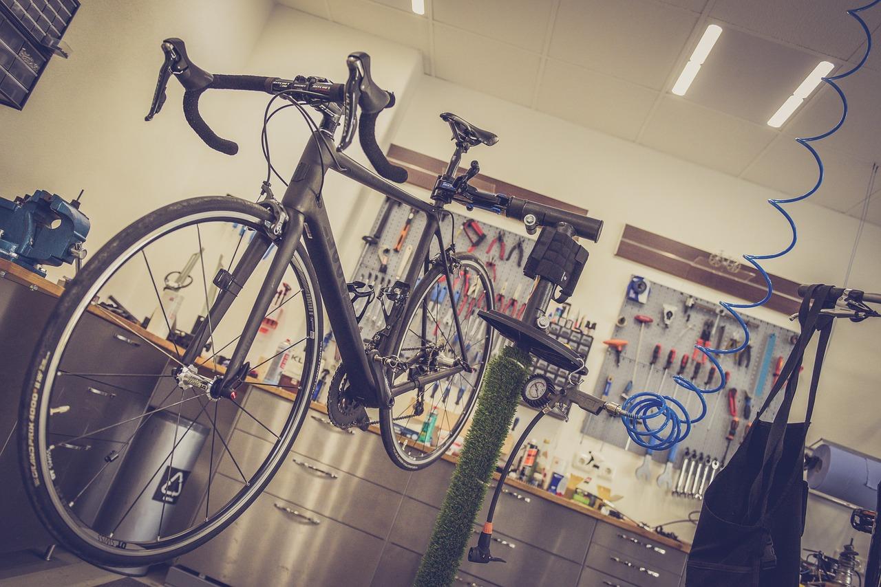 Cztery gadżety dla rowerzystów miejskich