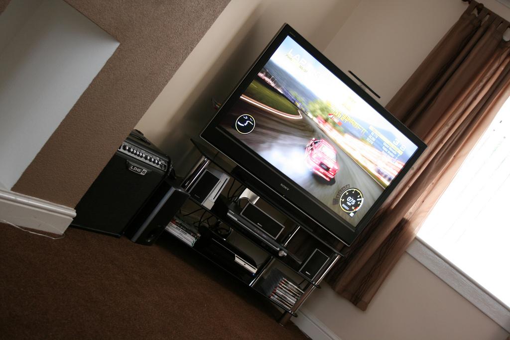 Telewizor z Full HD dla gracza, który nie potrzebuje 4K