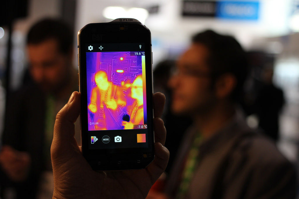 Kamera termowizyjna do smartfona – dla kogo i po co?