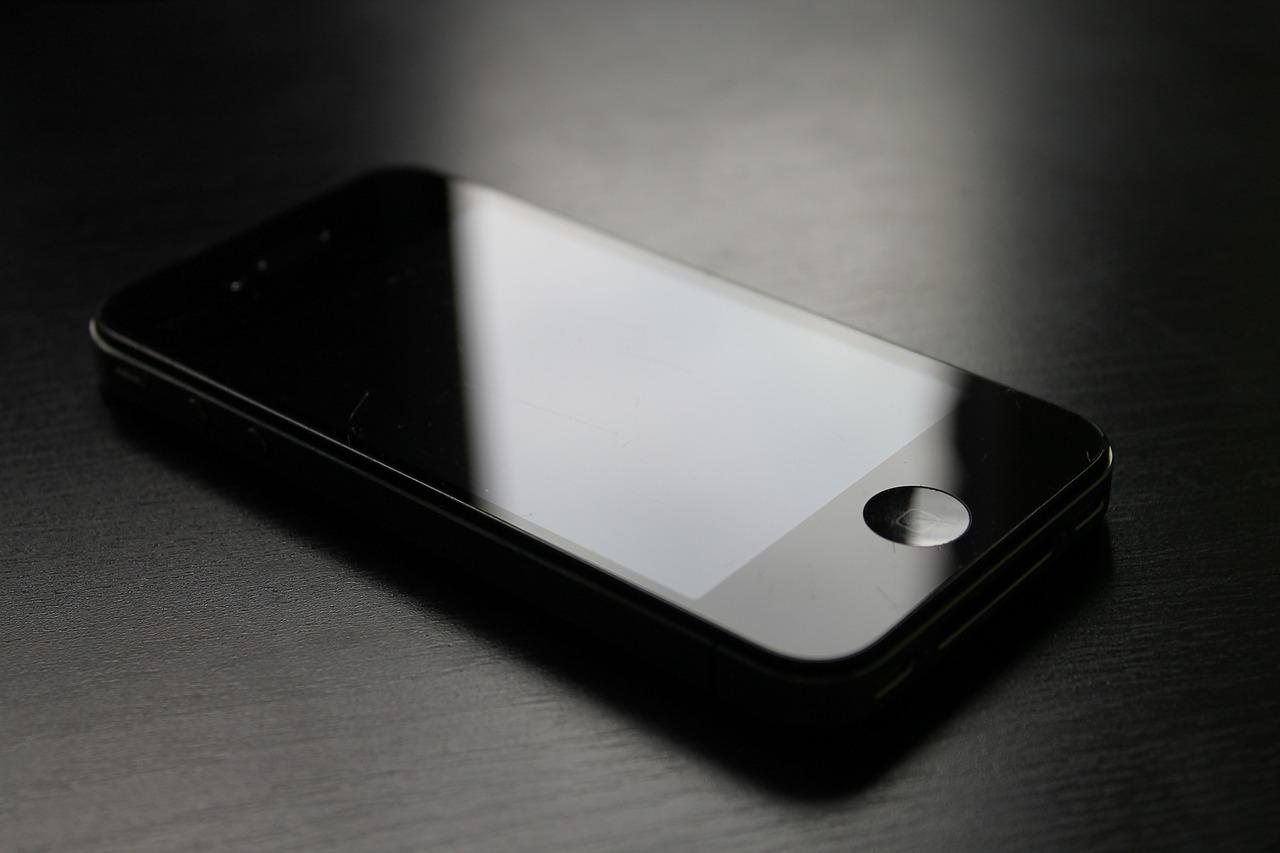 Czyścimy urządzenia mobilne – dosłownie!